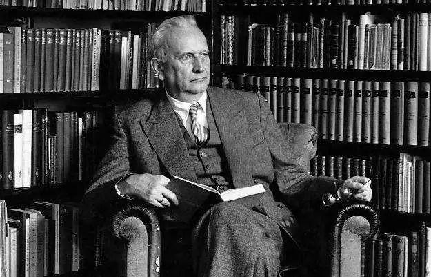 史上最伟大的15位哲学家思想精华,一生至少要读一次(收藏)
